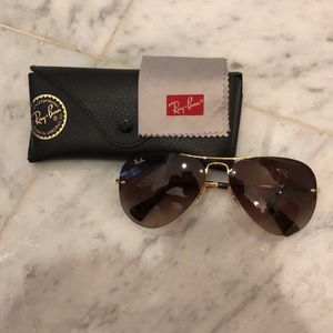 RAY-BAN AVIATORS💗 PERFECT CONDITION